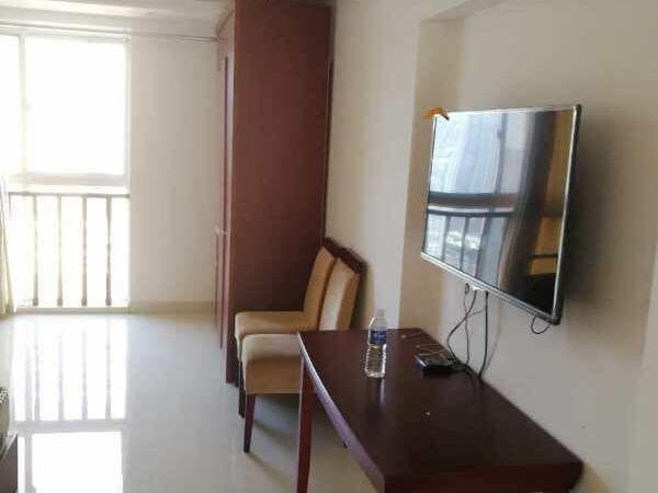 中南世纪城 一室 精装修 楼层很好 阳光很好 家具齐全可短租