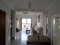 正泰公寓绝佳户型,三室两厅两卫,118平精装,车库26平,三室朝阳,南北通透