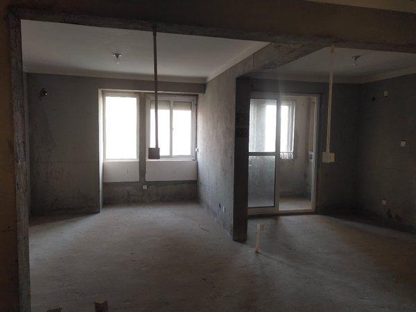 中江嘉城南区 97平米 3室2厅 南北通透 户型方正 毛坯